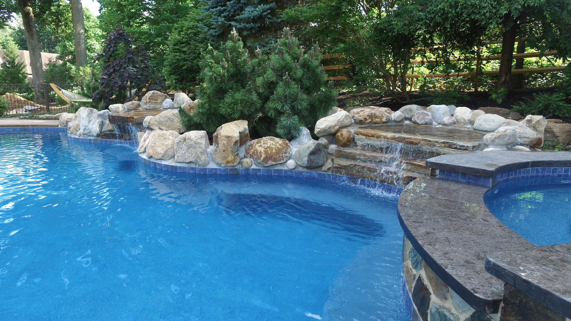 Wet edge products sapphire treasure - Crystal clear pools ...