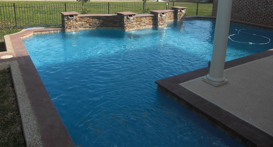 luna-quartz-aruba-pool-finish-1