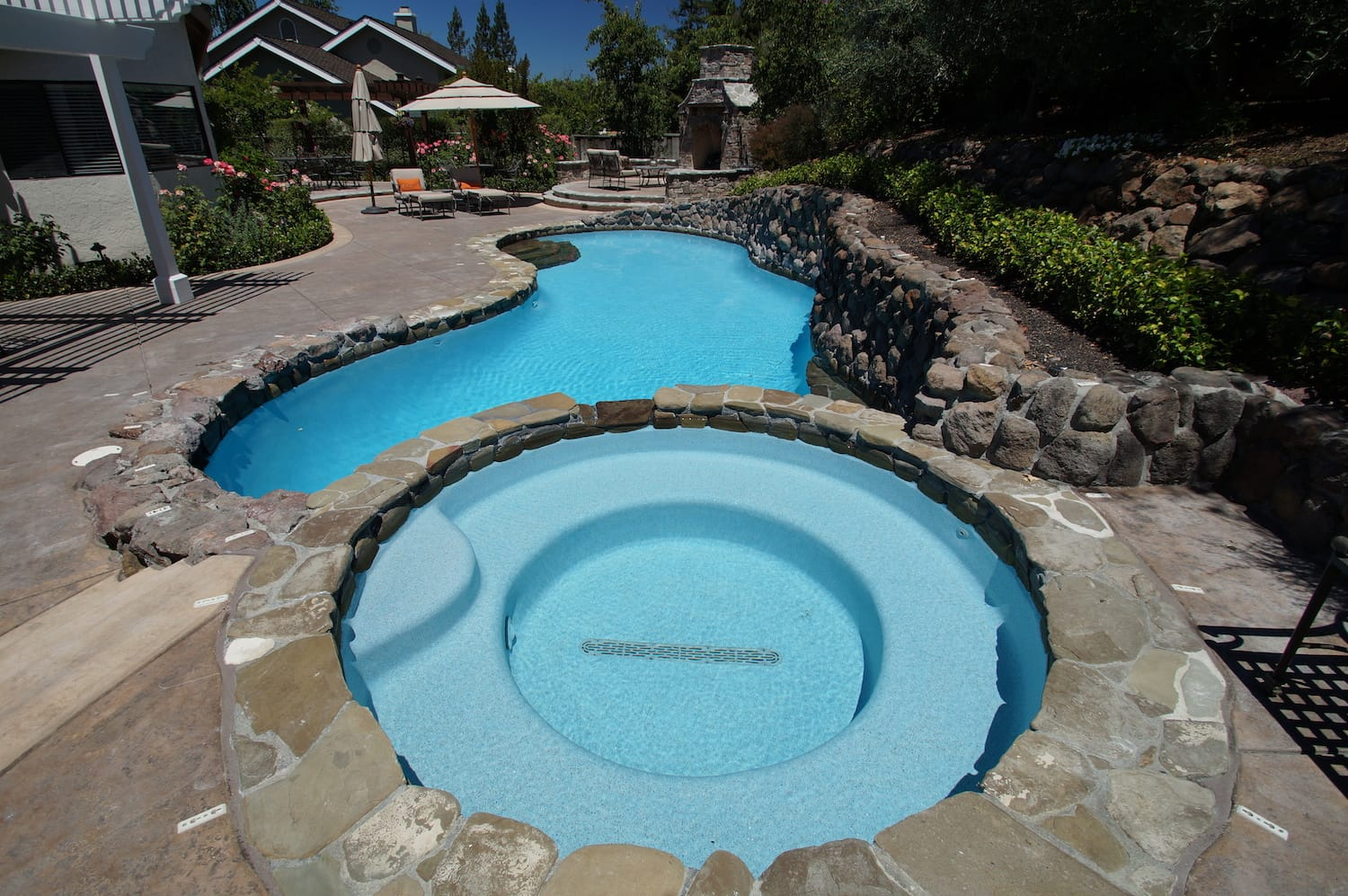 primera-stone-blue-pacific-coast-pool-finish-6