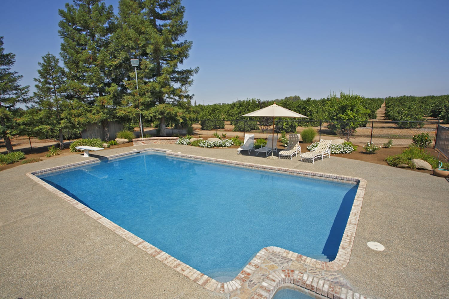 primera-stone-blue-pacific-coast-pool-finish-8